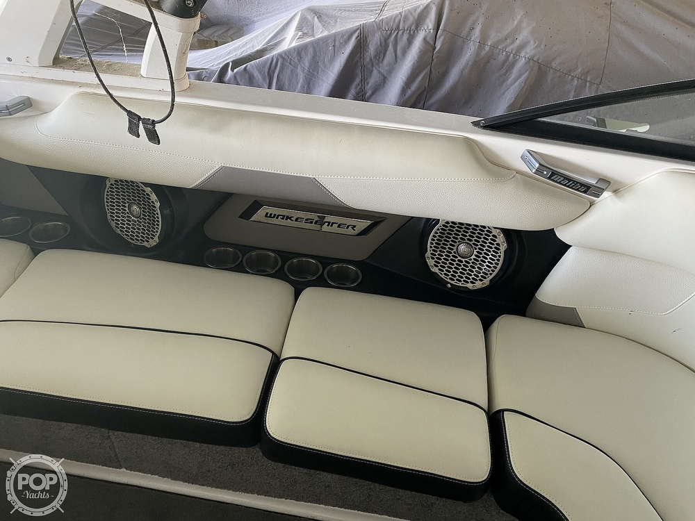 2015 Malibu boat for sale, model of the boat is 22 VLX & Image # 10 of 13