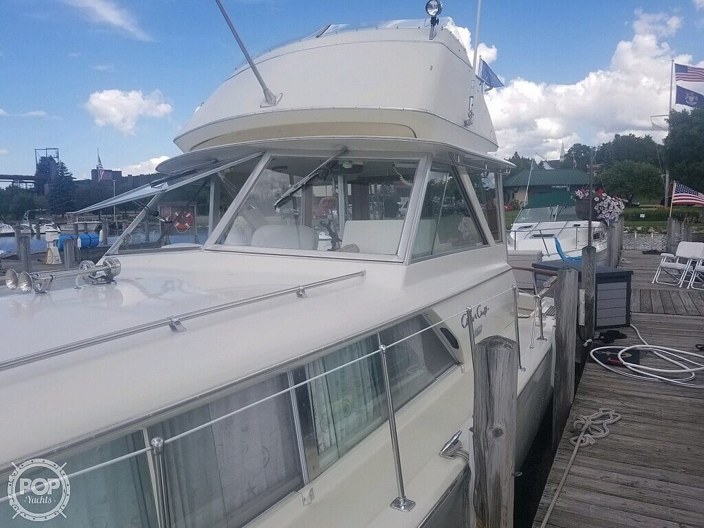 1970 Chris Craft boat for sale, model of the boat is Commande Sedan & Image # 8 of 42