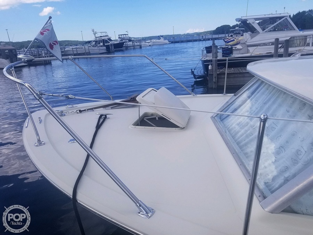 1970 Chris Craft boat for sale, model of the boat is Commande Sedan & Image # 9 of 42
