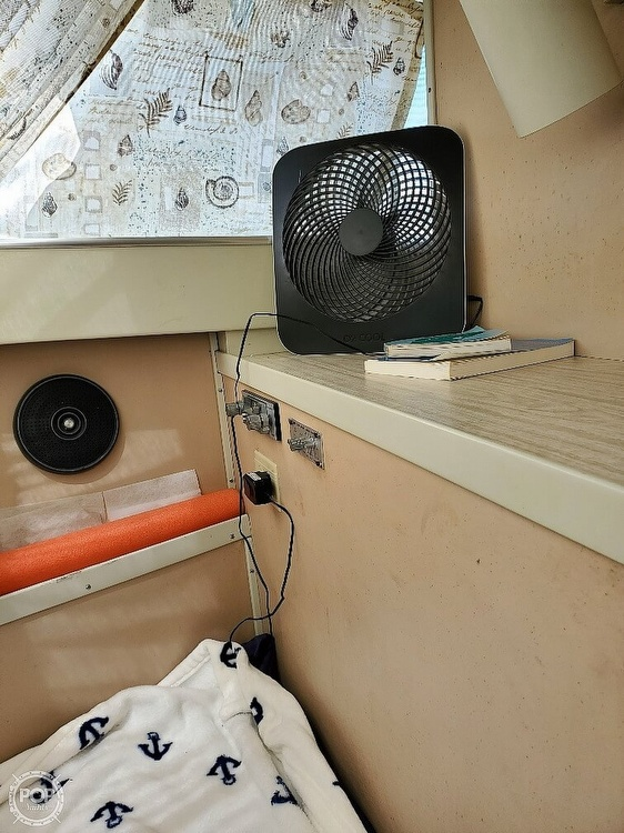 1970 Chris Craft boat for sale, model of the boat is Commande Sedan & Image # 13 of 42