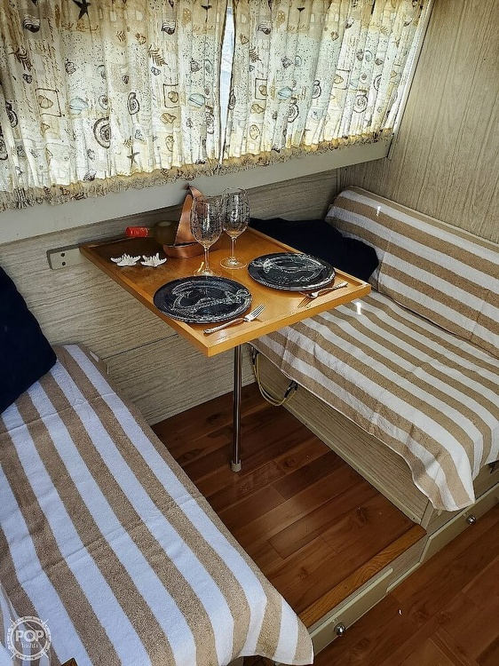 1970 Chris Craft boat for sale, model of the boat is Commande Sedan & Image # 25 of 42