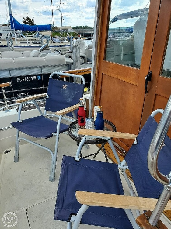1970 Chris Craft boat for sale, model of the boat is Commande Sedan & Image # 28 of 42