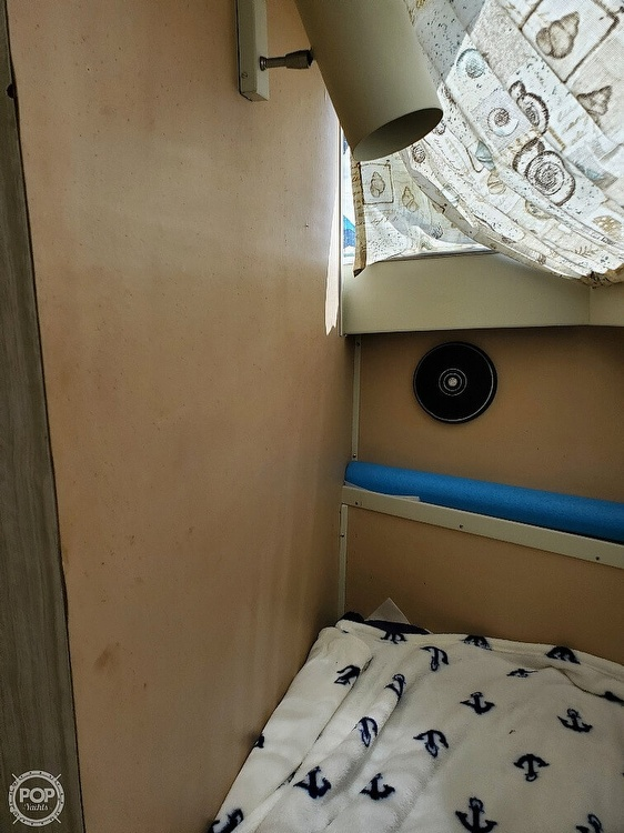 1970 Chris Craft boat for sale, model of the boat is 31 Commander Sedan & Image # 18 of 40