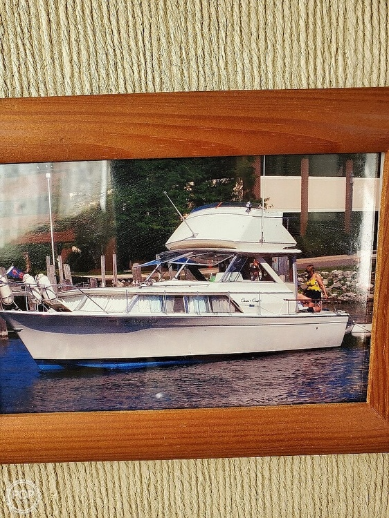 1970 Chris Craft boat for sale, model of the boat is 31 Commander Sedan & Image # 25 of 40