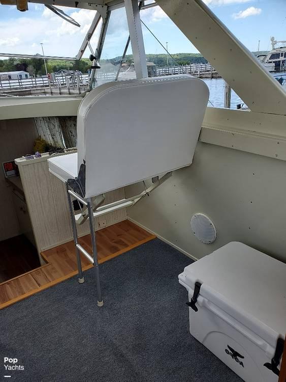 1970 Chris Craft boat for sale, model of the boat is 31 Commander Sedan & Image # 8 of 40