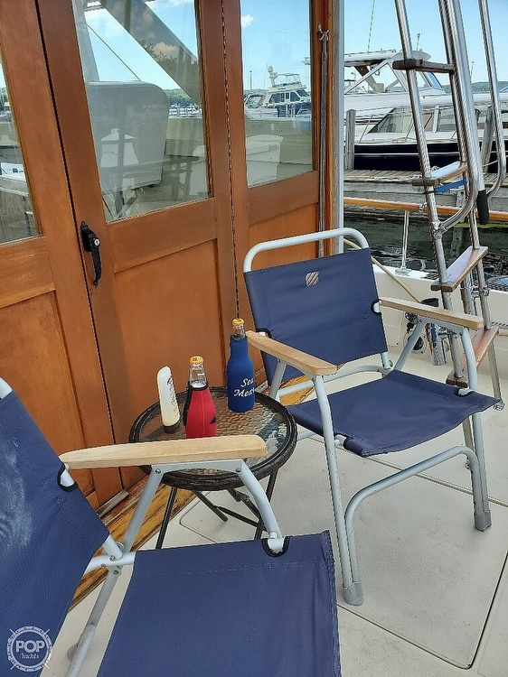 1970 Chris Craft boat for sale, model of the boat is 31 Commander Sedan & Image # 12 of 40