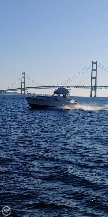 1970 Chris Craft boat for sale, model of the boat is 31 Commander Sedan & Image # 22 of 40
