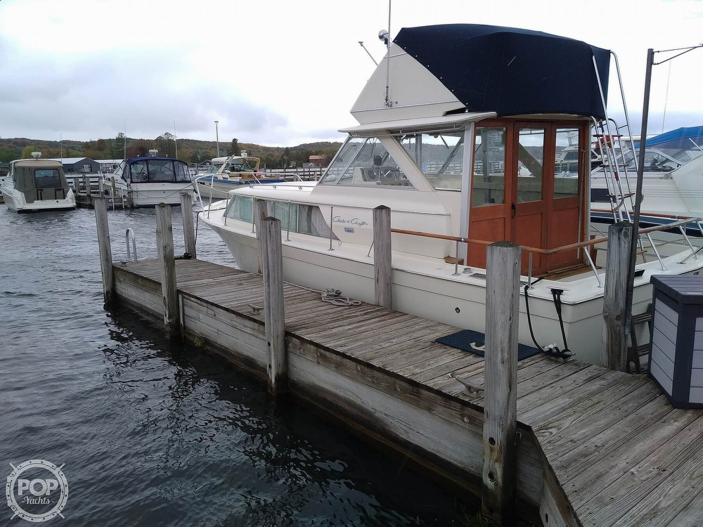 1970 Chris Craft boat for sale, model of the boat is 31 Commander Sedan & Image # 7 of 40