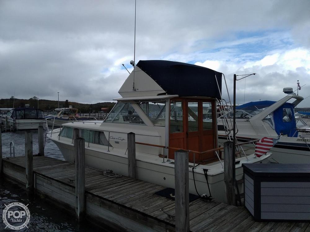 1970 Chris Craft boat for sale, model of the boat is 31 Commander Sedan & Image # 6 of 40