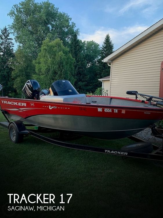 Used SunTracker Boats For Sale in Michigan by owner | 2013 Tracker 17