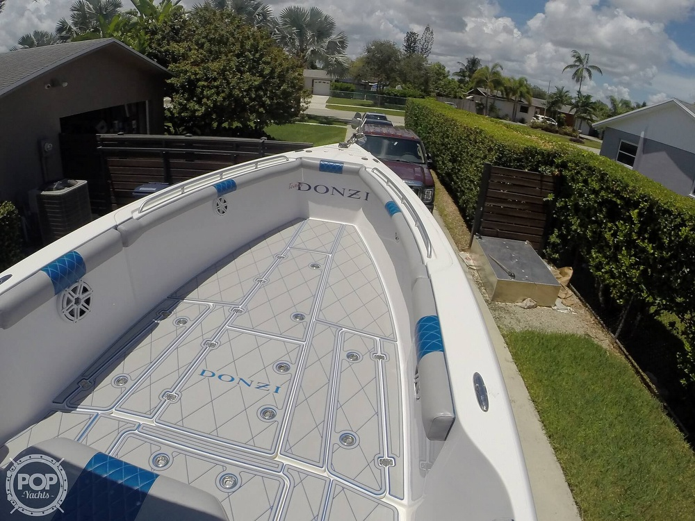 2005 Donzi boat for sale, model of the boat is 38 ZF & Image # 5 of 40