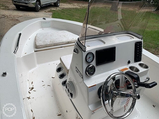 2019 Robalo boat for sale, model of the boat is R160 & Image # 10 of 41
