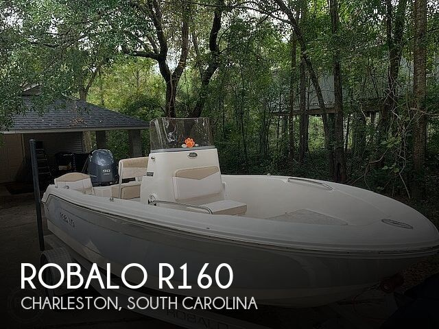 2019 Robalo boat for sale, model of the boat is R160 & Image # 1 of 41