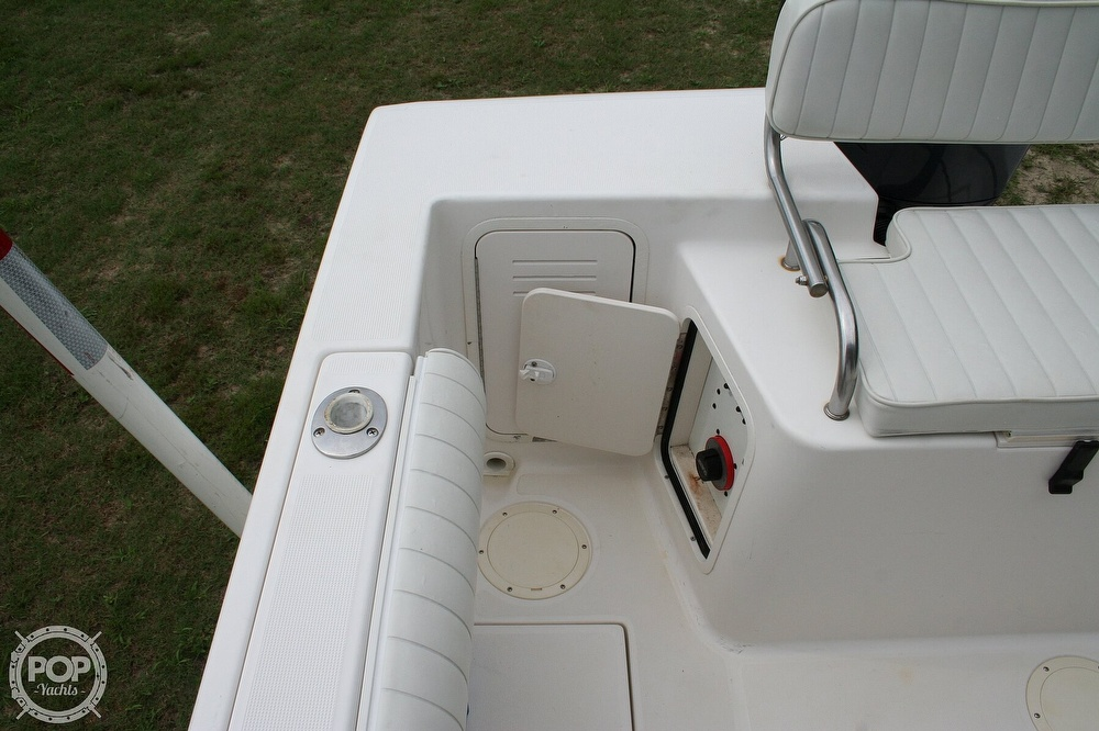 2002 Robalo boat for sale, model of the boat is R230 & Image # 9 of 13