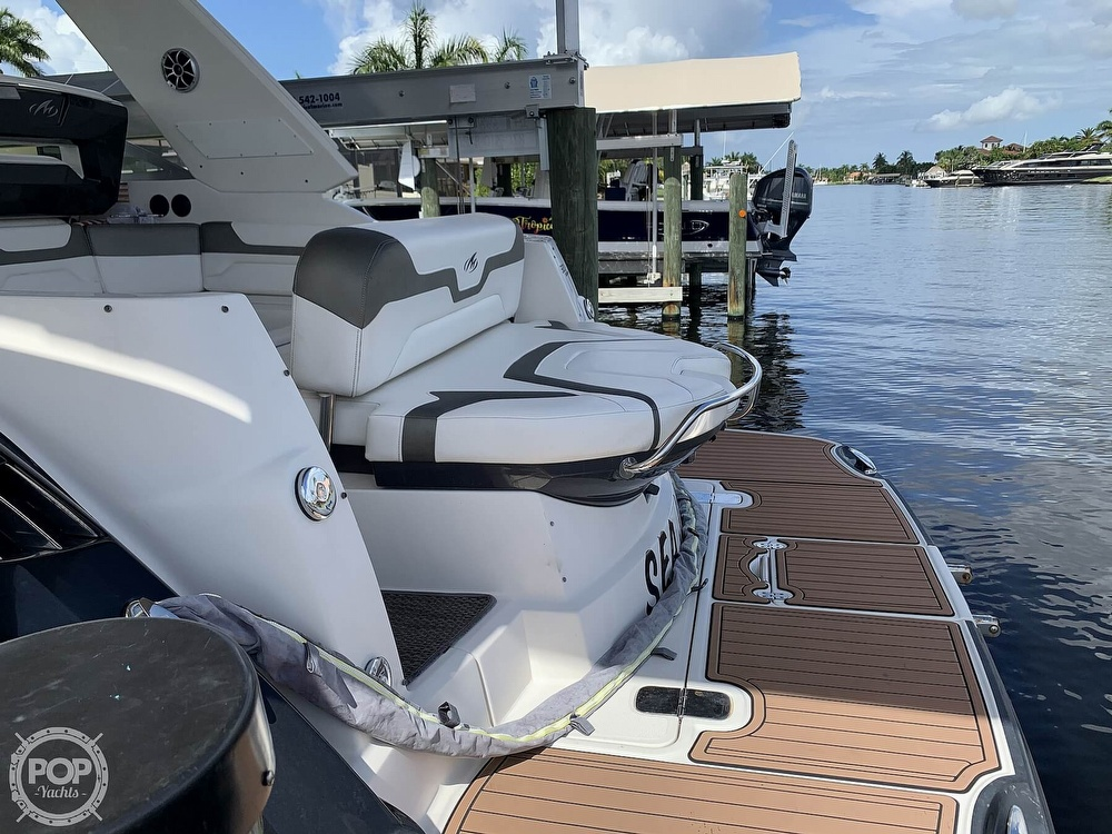 2014 Monterey boat for sale, model of the boat is 320 Sport Yacht & Image # 25 of 40