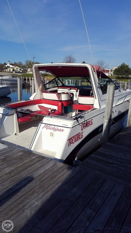 1987 Cruisers Yachts boat for sale, model of the boat is Rogue Sport 286S & Image # 4 of 40