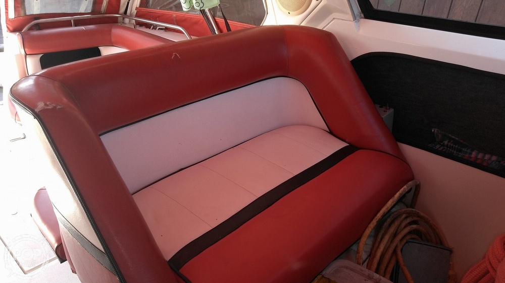 1987 Cruisers Yachts boat for sale, model of the boat is Rogue Sport 286S & Image # 25 of 40