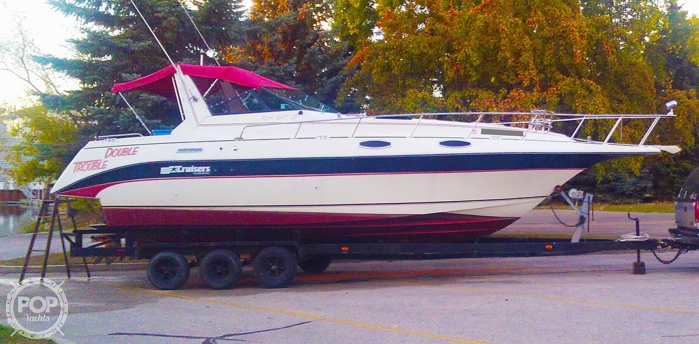 1987 Cruisers Yachts boat for sale, model of the boat is Rogue Sport 286S & Image # 2 of 40