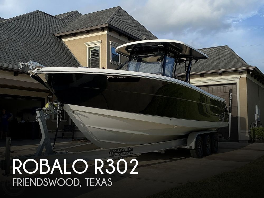 2017 Robalo boat for sale, model of the boat is R302 & Image # 1 of 40