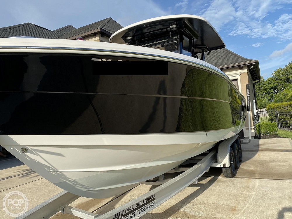 2017 Robalo boat for sale, model of the boat is R302 & Image # 20 of 40