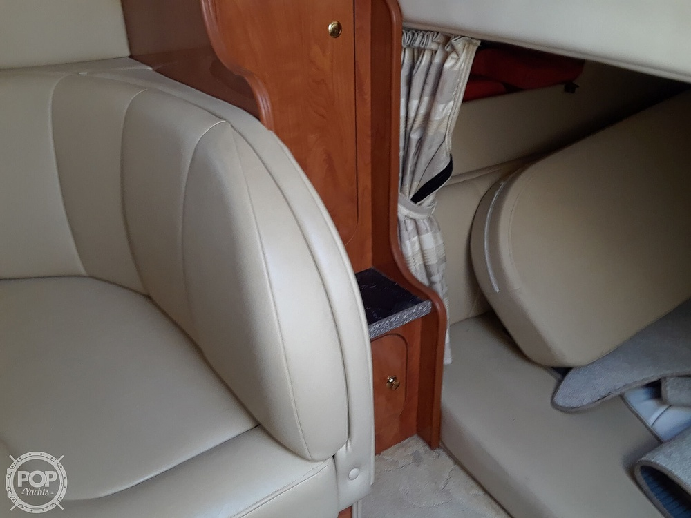 2005 Rinker boat for sale, model of the boat is 342 Fiesta Vee & Image # 28 of 40
