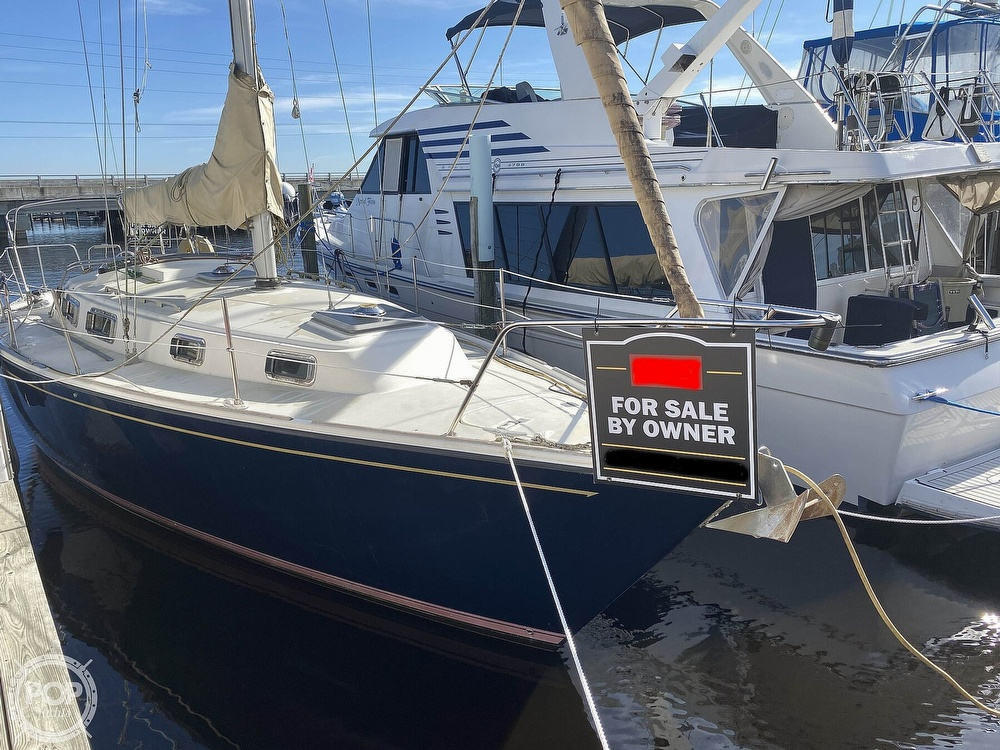1984 Pearson boat for sale, model of the boat is 34 & Image # 7 of 40