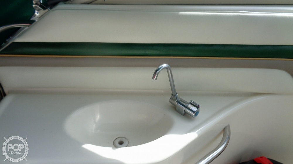 1997 Donzi boat for sale, model of the boat is 275LXC & Image # 13 of 40