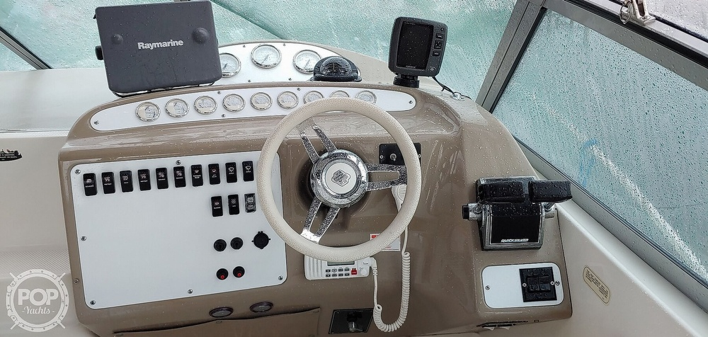 2000 Maxum boat for sale, model of the boat is 3300 SCR & Image # 3 of 40