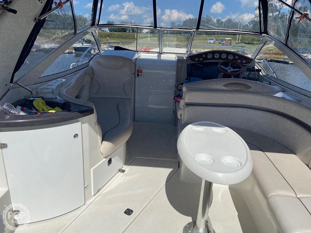 2004 Doral International boat for sale, model of the boat is 31 Intrigue & Image # 10 of 41