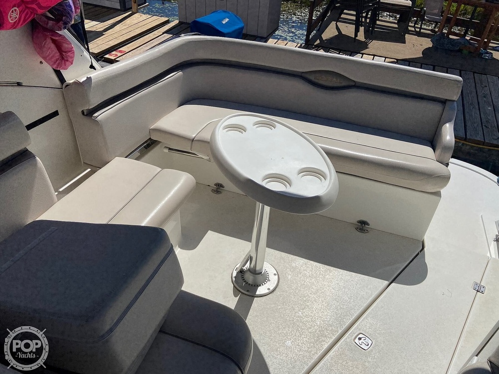 2004 Doral International boat for sale, model of the boat is 31 Intrigue & Image # 13 of 41
