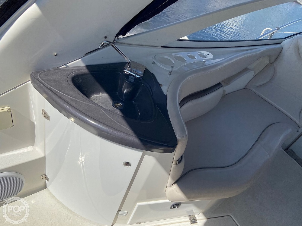 2004 Doral International boat for sale, model of the boat is 31 Intrigue & Image # 15 of 41