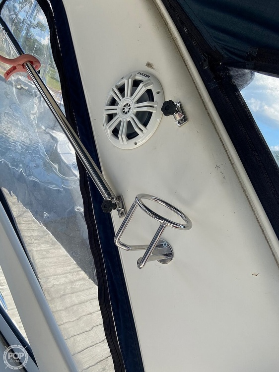 2004 Doral International boat for sale, model of the boat is 31 Intrigue & Image # 19 of 41