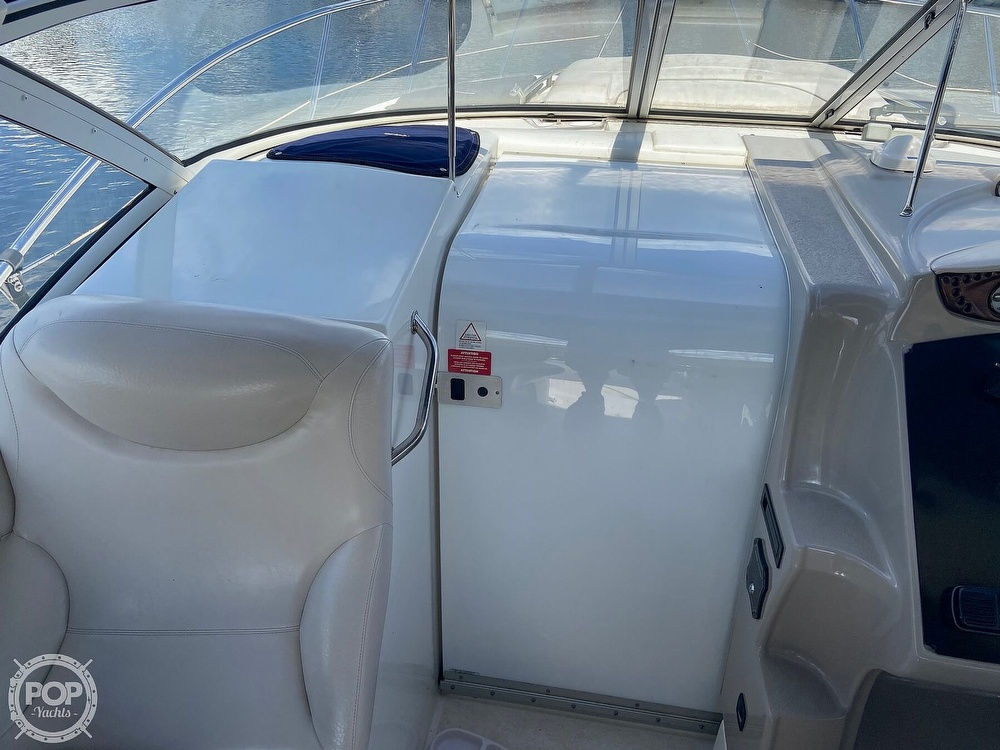 2004 Doral International boat for sale, model of the boat is 31 Intrigue & Image # 25 of 41