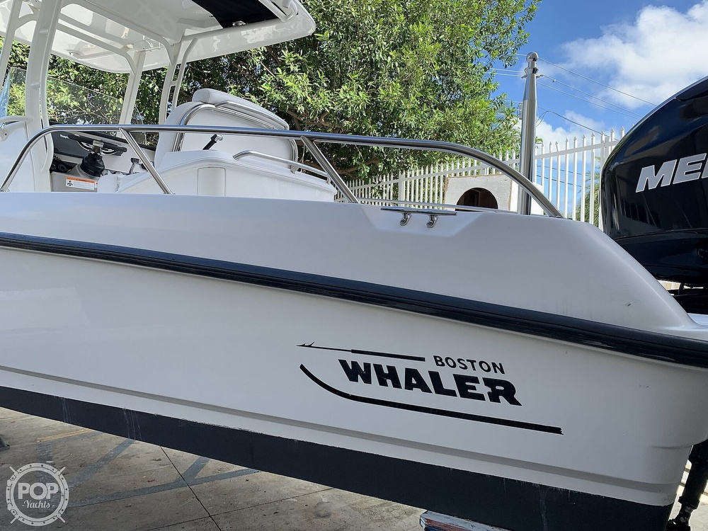 2013 Boston Whaler boat for sale, model of the boat is 270 Dauntless & Image # 4 of 40
