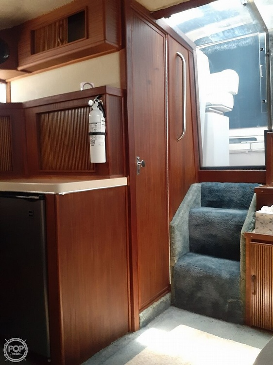 1986 Sea Ray boat for sale, model of the boat is 340 Express & Image # 7 of 40