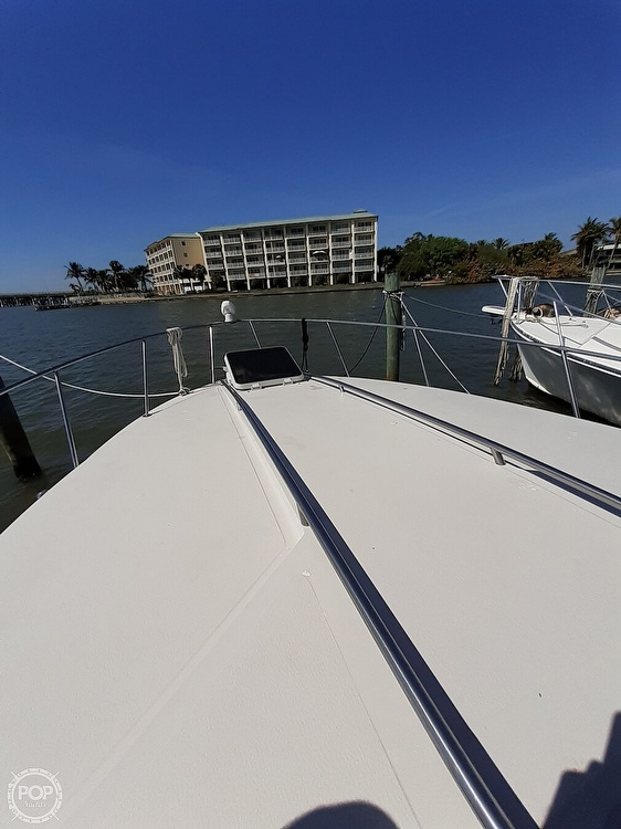1986 Sea Ray boat for sale, model of the boat is 340 Express & Image # 15 of 40