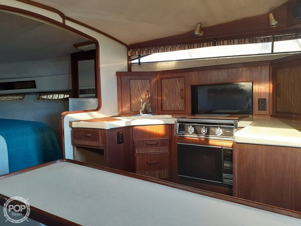 1986 Sea Ray boat for sale, model of the boat is 340 Express & Image # 17 of 40