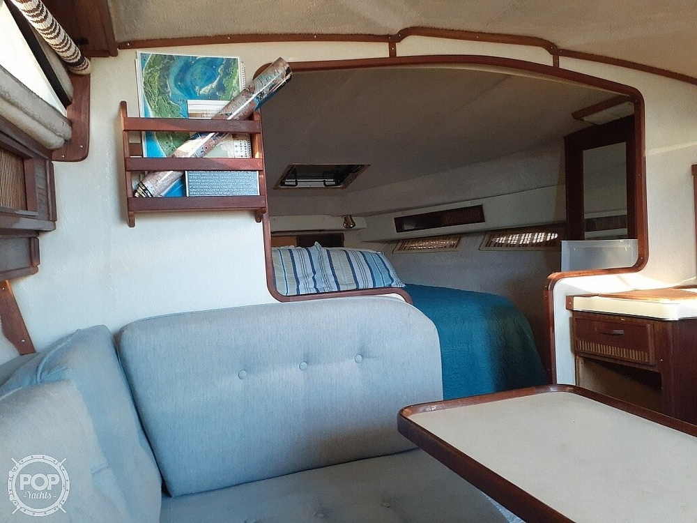 1986 Sea Ray boat for sale, model of the boat is 340 Express & Image # 18 of 40