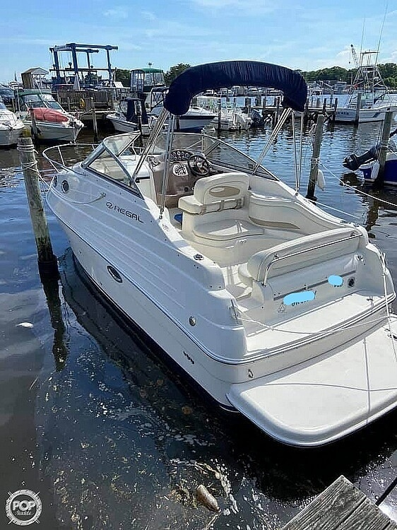 2003 Regal boat for sale, model of the boat is 2465 Commodore & Image # 3 of 41