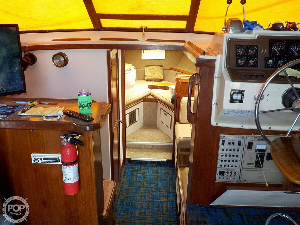 1984 Trojan boat for sale, model of the boat is F32 Convertible & Image # 17 of 40