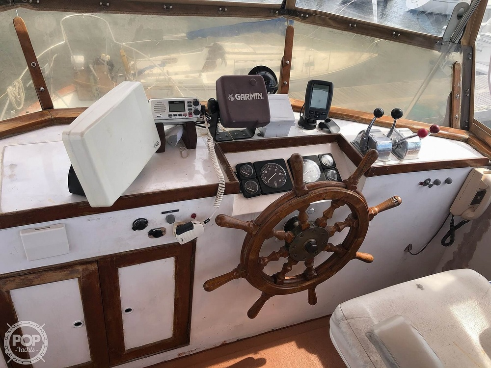 1980 Island Gypsy boat for sale, model of the boat is 36 Aft Cabin & Image # 4 of 40