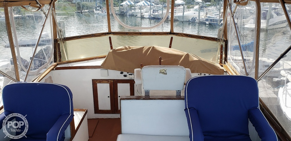 1980 Island Gypsy boat for sale, model of the boat is 36 Aft Cabin & Image # 22 of 40