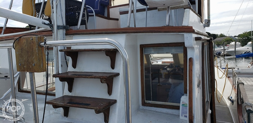 1980 Island Gypsy boat for sale, model of the boat is 36 Aft Cabin & Image # 17 of 40