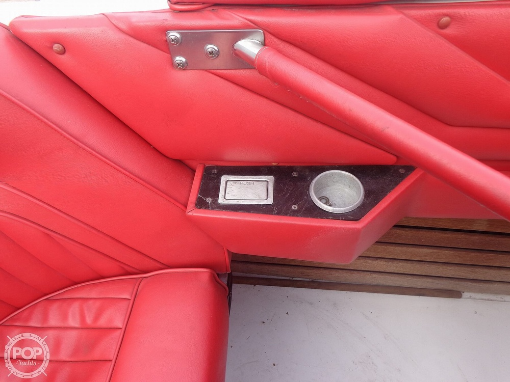 1986 Scarab boat for sale, model of the boat is Panther 30 & Image # 38 of 40