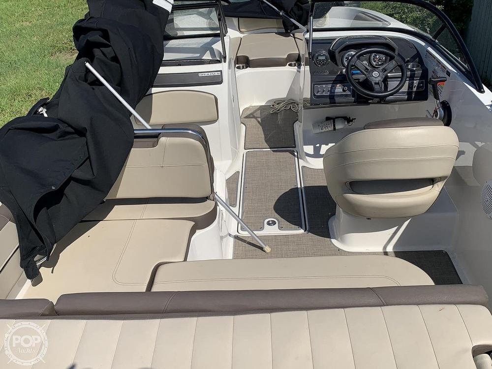 2017 Bayliner boat for sale, model of the boat is Vr5 & Image # 10 of 41