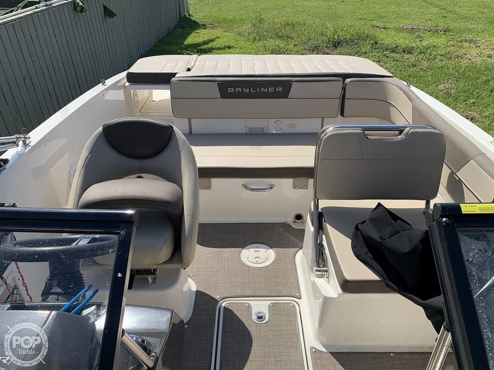 2017 Bayliner boat for sale, model of the boat is Vr5 & Image # 13 of 41