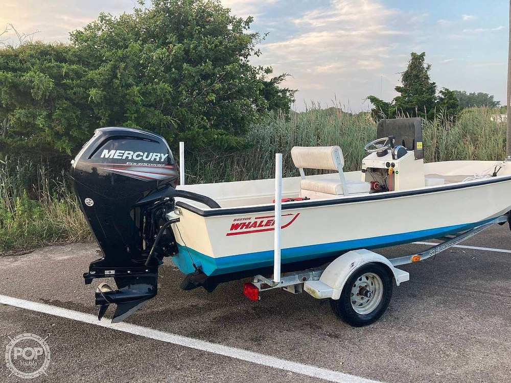 1984 Boston Whaler boat for sale, model of the boat is 17 Montauk & Image # 3 of 11