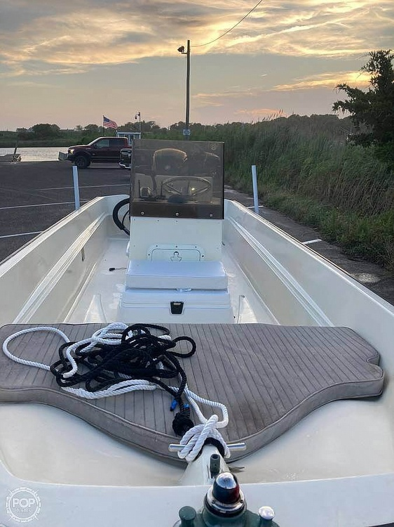 1984 Boston Whaler boat for sale, model of the boat is 17 Montauk & Image # 5 of 11