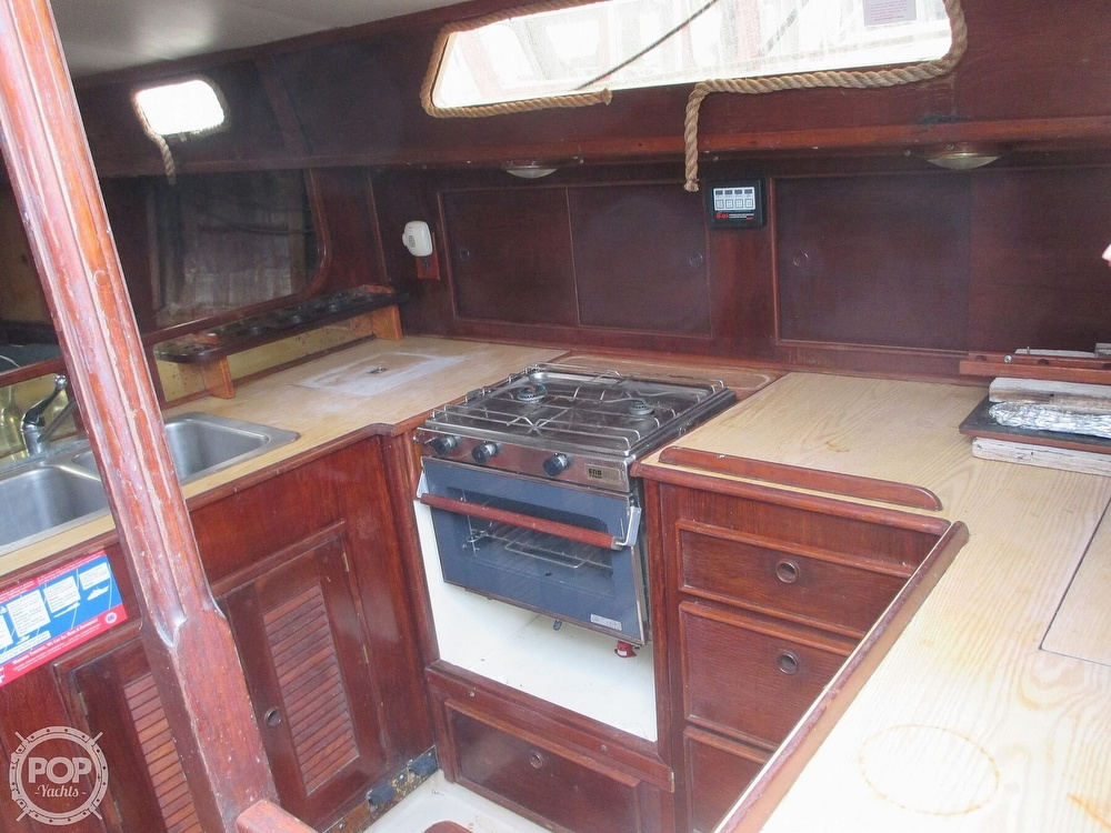 1979 Irwin boat for sale, model of the boat is 39 Citation & Image # 18 of 40