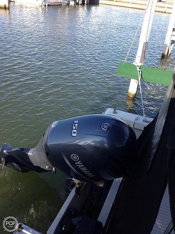 1987 Boston Whaler boat for sale, model of the boat is Revenge 20 W.T. & Image # 7 of 40